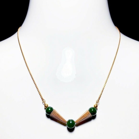 CaCo Jewelry - Vintage CaCo 1/20 12k Gold Green Jade Necklace